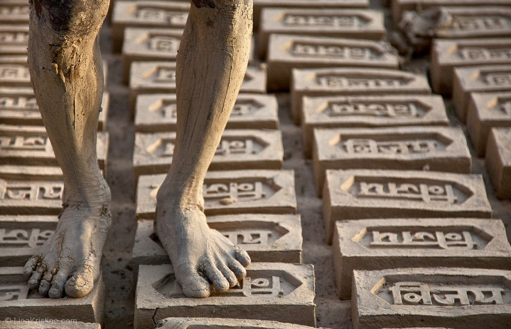 lisa_kristine_com-brick-makers-feet-india