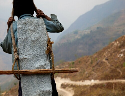 Stone Carrier – Nepal